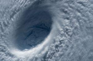 台風19号接近、ケアマネ試験開催は?